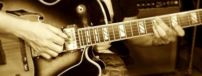 頭を使ったギターの練習